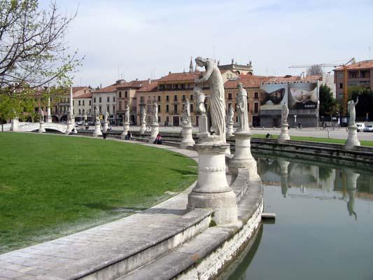 Arte, architettura a Padova - immagini Prato della Valle