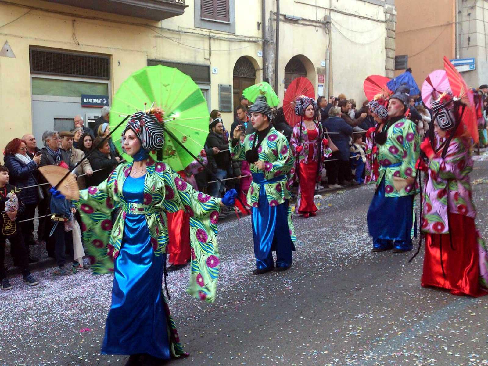maschere carnevale fotografie sfilata carri  Ronciglione